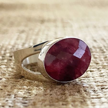 Thulite Oval Ring - Size 8